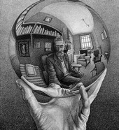 """Esher: la famosa opera """"mano con sfera"""""""