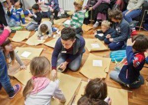 Laboratori ludico-didattici: un momento del lavoro con i bimbi